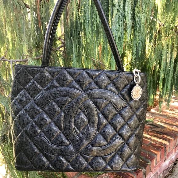 8798c19b0672 CHANEL Handbags - Iconic CHANEL Caviar Medallion Tote Auth W Serial